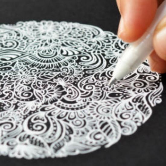 طقم 2 قلم أبيض جيلي رول انك رأس كروي 0.5 من ساكورا اليابانية